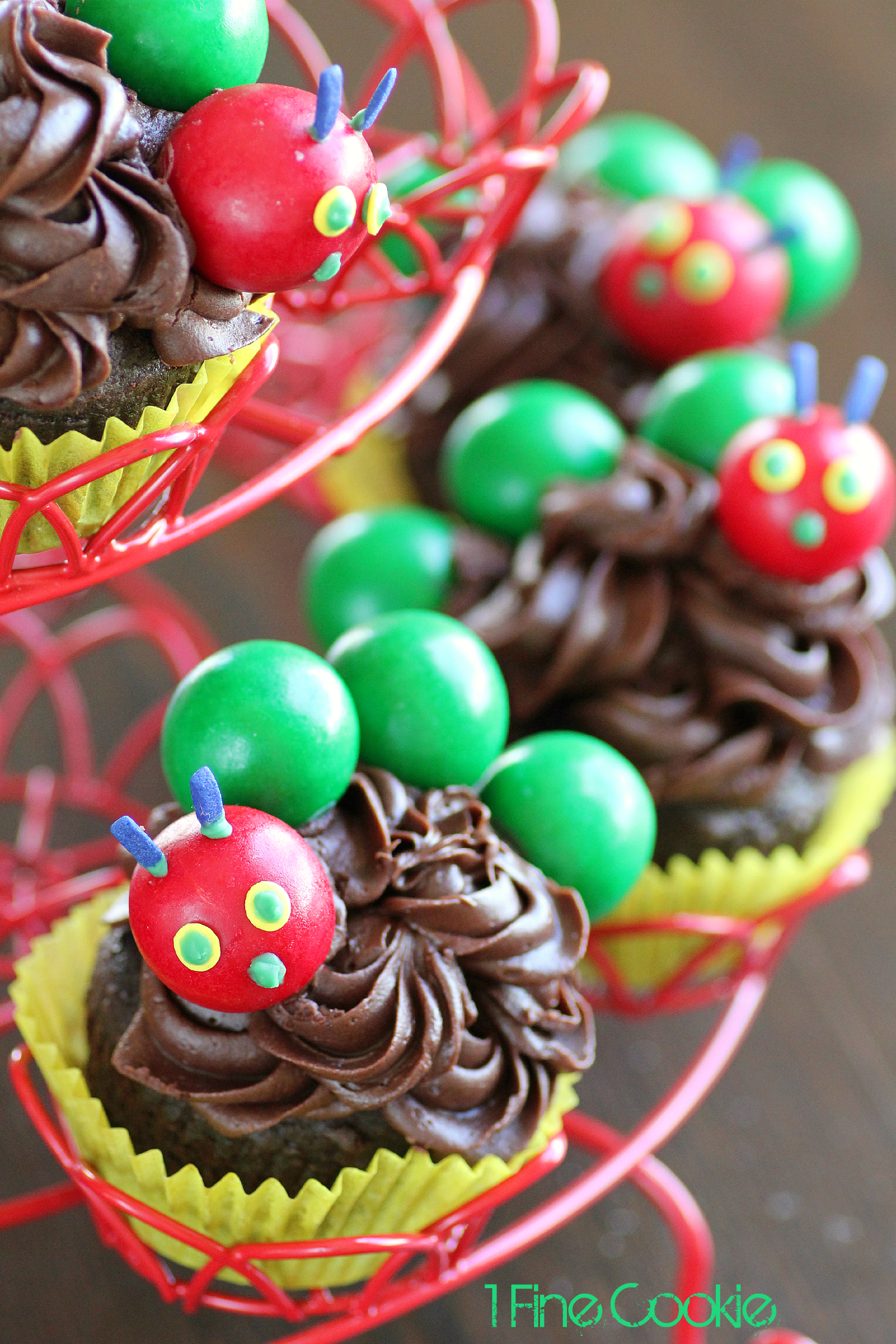 The Very Hungry Caterpillar Cake And Cupcakes 1 Fine Cookie