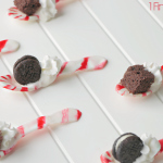 Homemade Peppermint Spoons by 1 Fine Cookie, Peppermint, mint, diy, spoon, recipe, homemade, wilton, how to make, recipe, hot chocolate, gift, christmas, winter, cold weather, gifts, cookies, oreo, brownie, appetizer, tasting, spoon, candy, finger, food, dessert, table, mini, candy cane, round, hot, cocoa, chocolate, whipped, cream, cookies n cream, cookie cutter, hanukkah, cheap, easy, melted, hack, vegetarian, vegan, red, white, green, black, holiday, secret, santa, edible, present, whiskey, coffee, dick, silpat, uses,